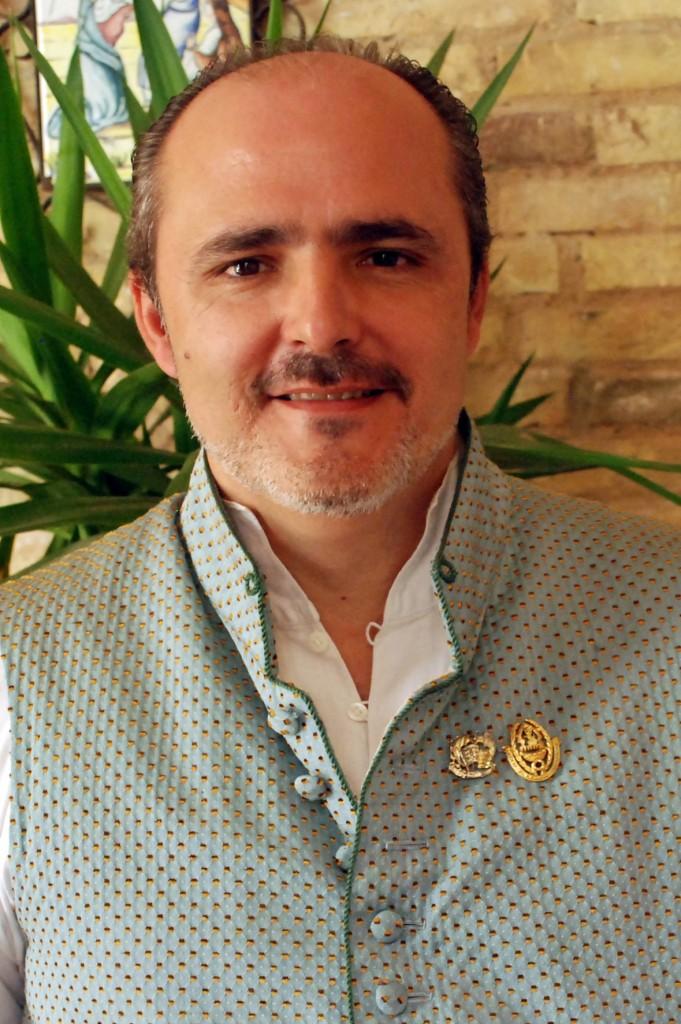 Santiago Serrano. PRESIDENTE FALLA R VALENCIA SAN VALERO